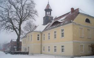 Das Herrenhaus im Wintergewand.